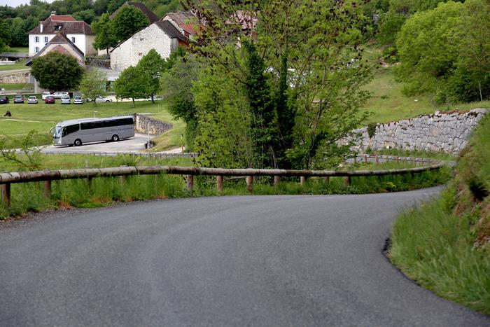Journées du patrimoine 2019 - Visites accompagnées du village d'Izieu par l'association Pierres et patrimoine d'Izieu RDV devant l'église au village.