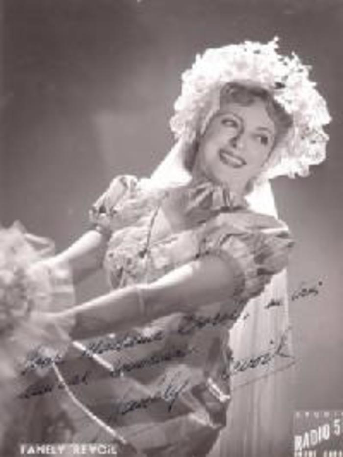 Journées du patrimoine 2020 - Exposition de Fanély Revoil, chanteuse lyrique sablonnaise