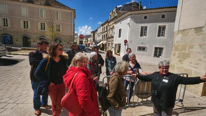Journées du patrimoine 2020 - Balade dans le village de Lauzun avec notre Raconteuse de Pays