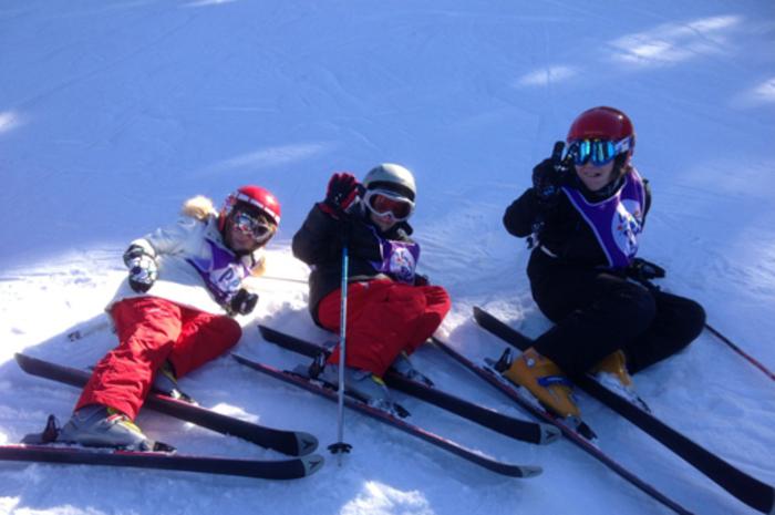 Viens goûter à une colo dédiée à ta passion et progresser dans ta technique de ski