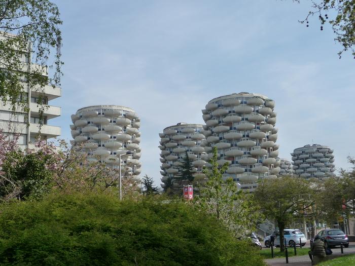 Journées du patrimoine 2020 - Circuit dans le quartier du Palais, le plus emblématique des quartiers du nouveau Créteil, célèbre pour ses immeubles en forme de choux.