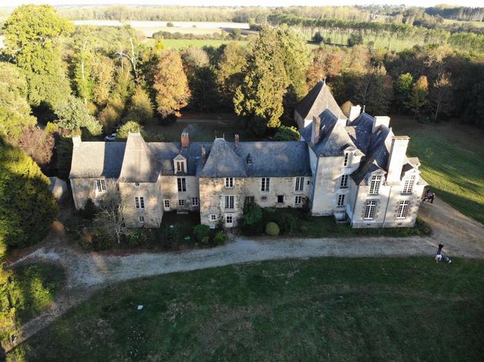 Journées du patrimoine 2020 - Visite commentée de l'histoire du château par les propriétaires et visite libre du parc.
