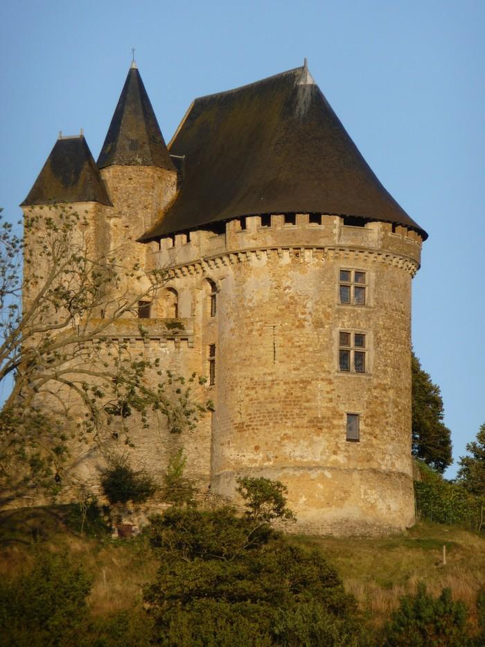 Journées du patrimoine 2020 - Découverte du Donjon de Ballon et de son jardin remarquable