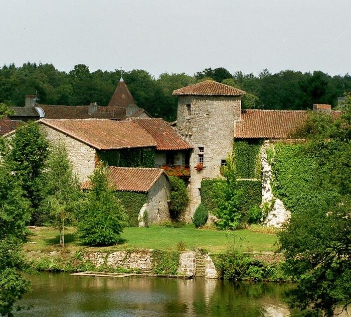 Journées du patrimoine 2019 - Sur la piste des singularités artistiques d'un des Plus Beaux Villages de France