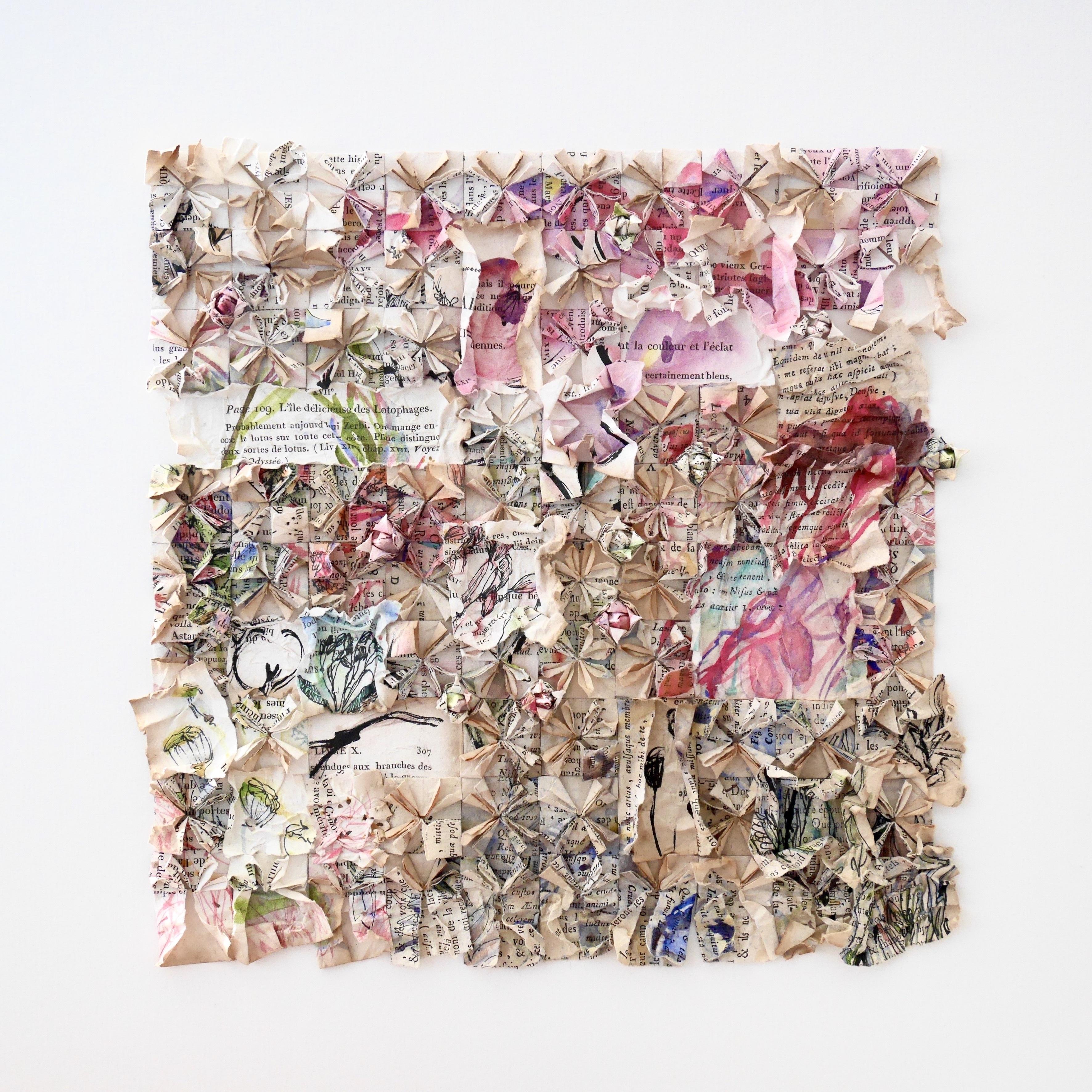 À travers ses aquarelles et ses origamis, Patricia Piard nous propose un pays imaginaire où mots et papiers échangent leurs secrets amoureux, comme une nouvelle carte du Tendre.