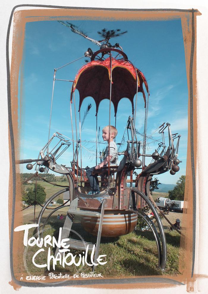 Journées du patrimoine 2019 - Tourne Chatouille, de l'Atelier des Inventions Géniales, est une machine à énergie potentielle de pesanteur.