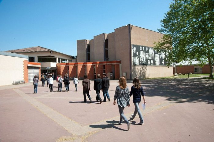 La maison de quartier centre social de Cantepau est la plus grande maison de quartier d'Albi