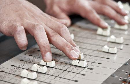 Les apéros découvertes invitent le public à découvrir le travail d'un des membres du Pôle Culture & Patrimoines. Ajourd'hui : Domino Studio, agence sonore
