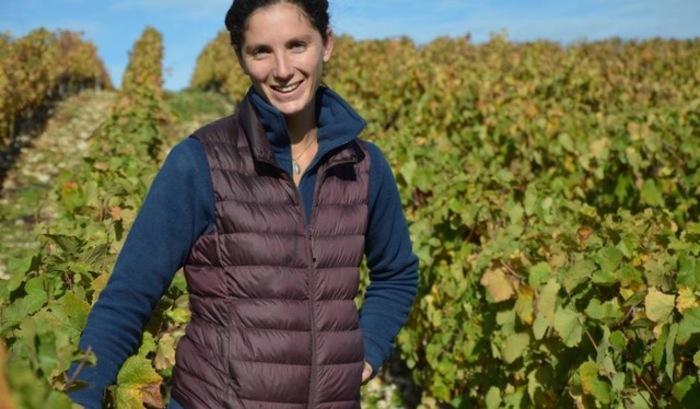 Journées du patrimoine 2020 - Dégustation de vin au Château de Saint-Fargeau avec Raphaëlle Guyot, productrice locale.