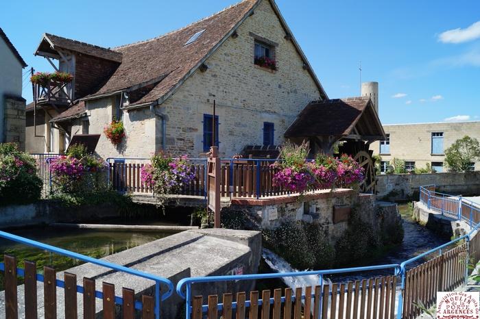 Journées du patrimoine 2019 - Visite guidée du Moulin de la Porte à Argences avec mise en production.