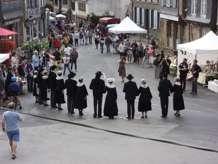 Journées du patrimoine 2020 - Exposition des costumes bretons traditionnels
