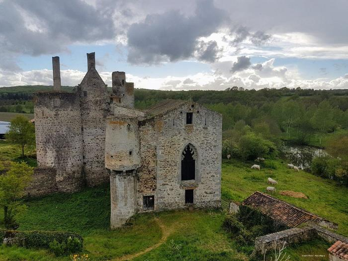 Journées du patrimoine 2019 - Entre Gâtine et Bocage, découvrez le bourg et le château de Glénay