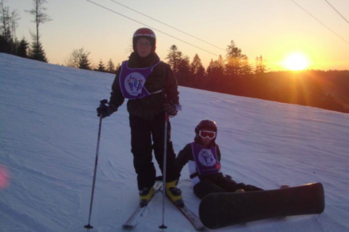 Viens goûter à une colo dédiée à ta passion et progresser dans ta technique de snowboard