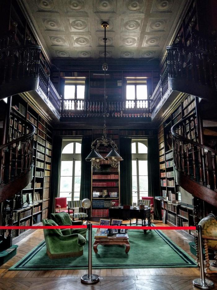 Journées du patrimoine 2019 - Estimations de vos objets d'art au sein de la bibliothèque du château de Groussay à Montfort-l'Amaury (Yvelines) par Camille Dutot, expert
