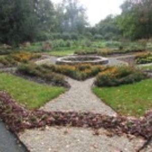 School garden in the historic Koigi Manor