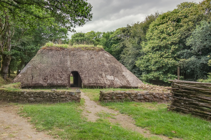 Journées du patrimoine 2019 - Visite libre et ateliers au Village de l'an mil à Melrand.