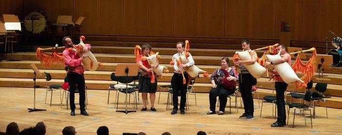 Avec Les élèves en musique traditionnelle du Conservatoire de l'Aveyron.