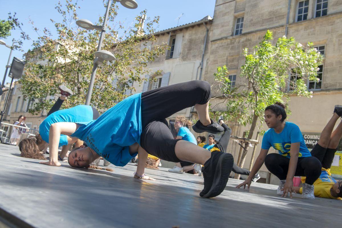 Dans le cadre du projet « C'est mon Patrimoine », proposé par Les Suds, à Arles, le Musée de la Camargue a invité des adolescents à réaliser des créations hip hop et à les restituer en public.