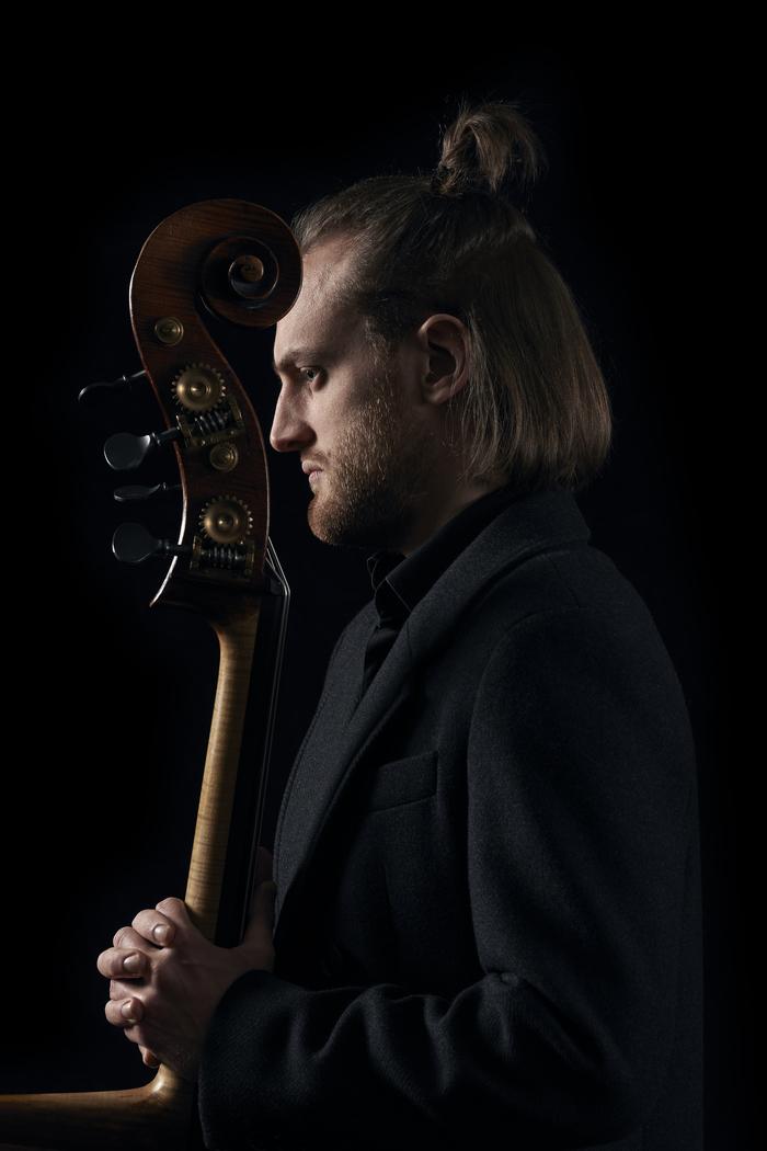 Journées du patrimoine 2020 - Annulé | Déambulation musicale Adrien Tyberghien solo contrebasse