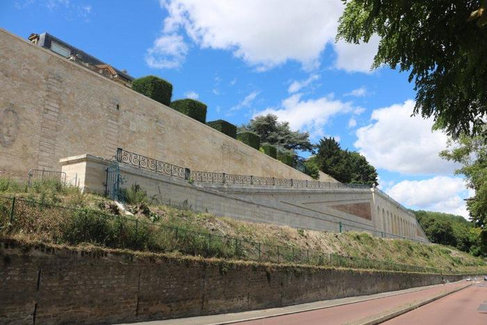 Journées du patrimoine 2019 - Parcours commenté des vestiges des terrasses du Château-Neuf de Saint-Germain-en-Laye.