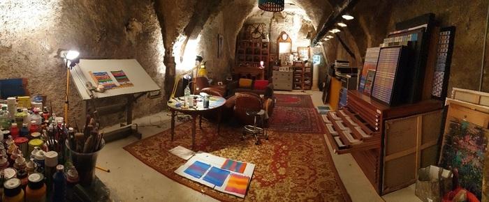 Journées du patrimoine 2019 - Ludovic Vesseaux expose ses oeuvres dans la cave de son immeuble et partage sa passion pour la création.