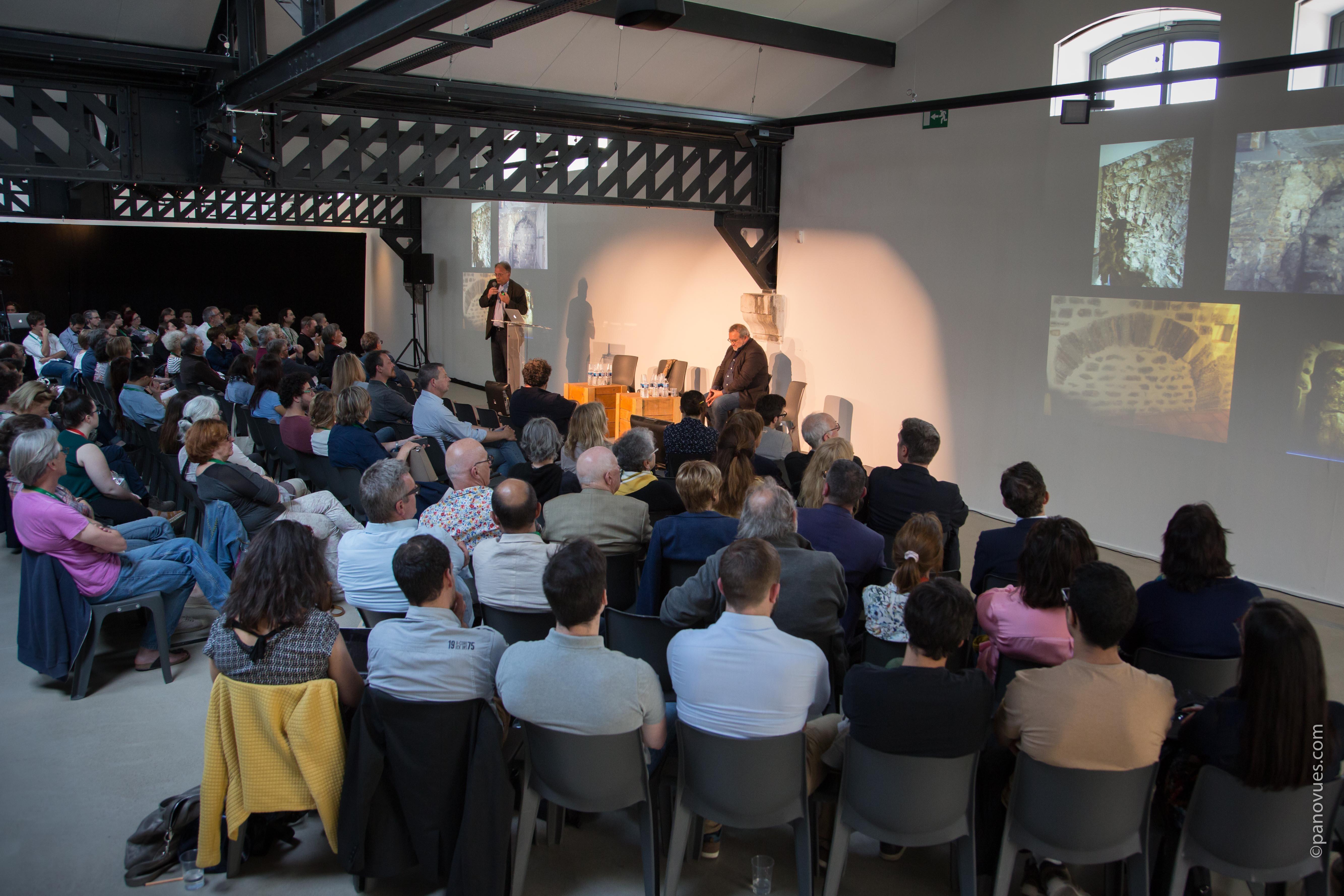Le SIPPA Hors les Murs #2 offre des moments d'échanges et de partage pour découvrir des innovations, promouvoir des expertises, et débattre de l'évolution des métiers de la culture et des patrimoines.