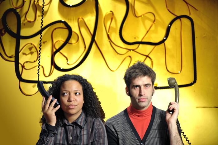 Créé en 2012, le duo de saxophones Bi-Ki ? expose et interroge la rencontre de deux identités sonores et deux parcours singuliers autour du saxophone.