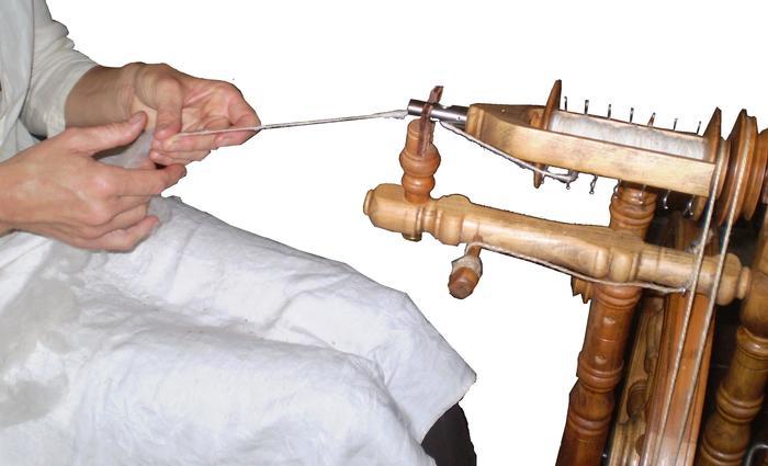 Journées du patrimoine 2019 - Démonstration de filage de la laine