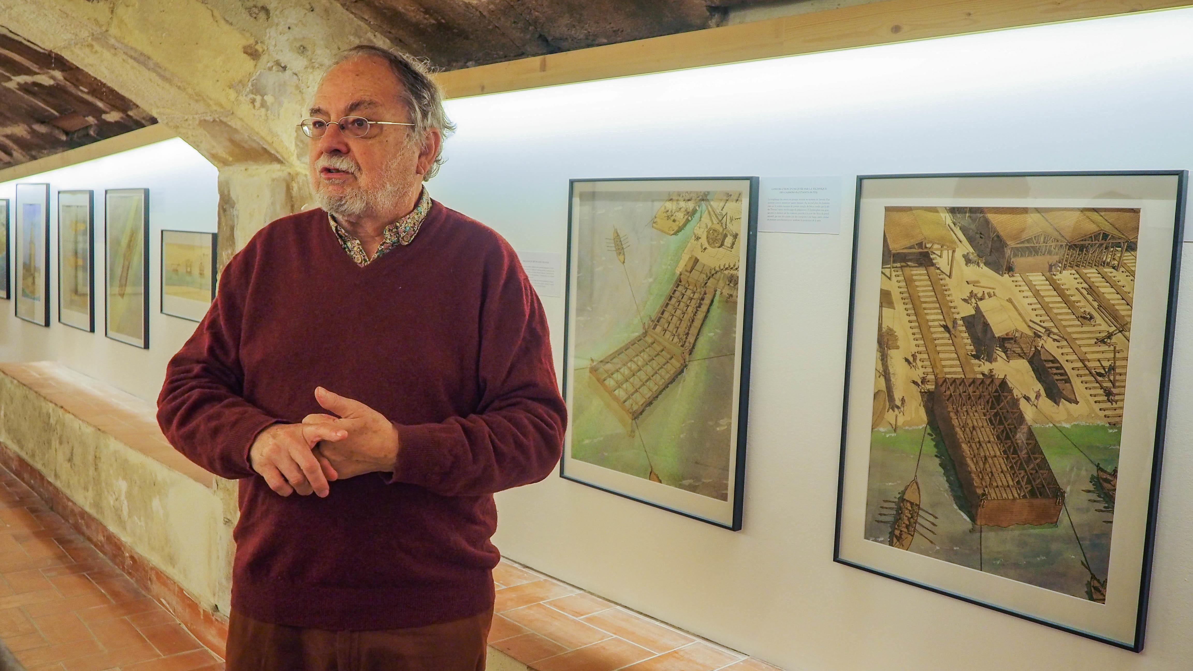 """Visite guidée de l'exposition """" Le génie maritime et le génie civil romains """" de Jean-Claude Golvin et Gérard Coulon, suivie d'une conférence et d'une séance de dédicaces."""