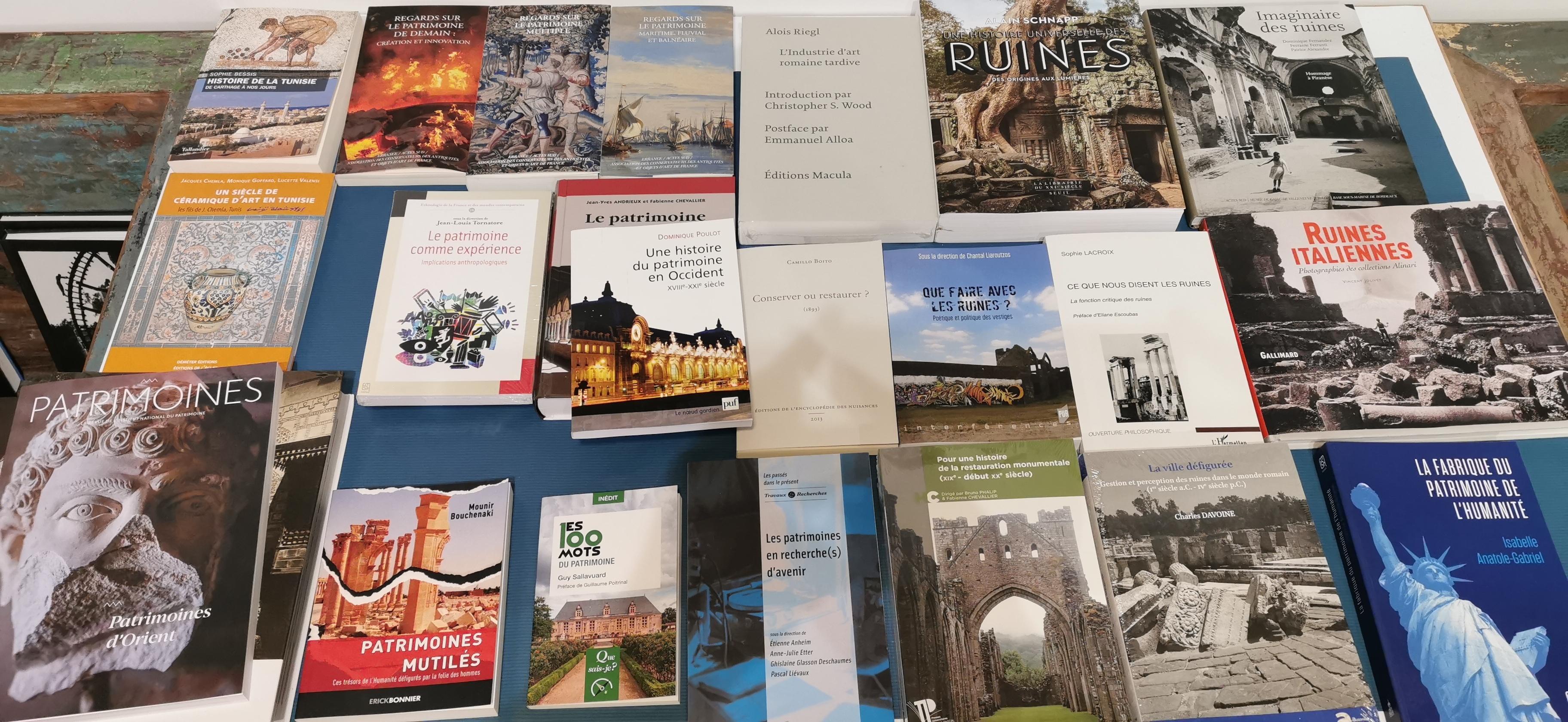 De natura rerum vous propose une librairie des patrimoines. Au delà de notre fonds sur Arles, sur l'archéologie et les monuments régionaux, nous proposons une sélection d'ouvrages.