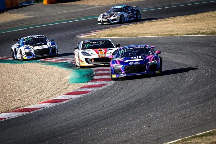 Le FFSA GT4 revient sur le Circuit d'Albi !