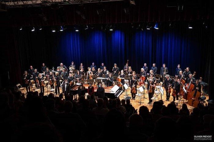 L' Orchestre Symphonique du Loiret (OSL) est une association qui permet à tous de découvrir un répertoire de musiques symphonique varié, en concert comme sur les réseaux sociaux.