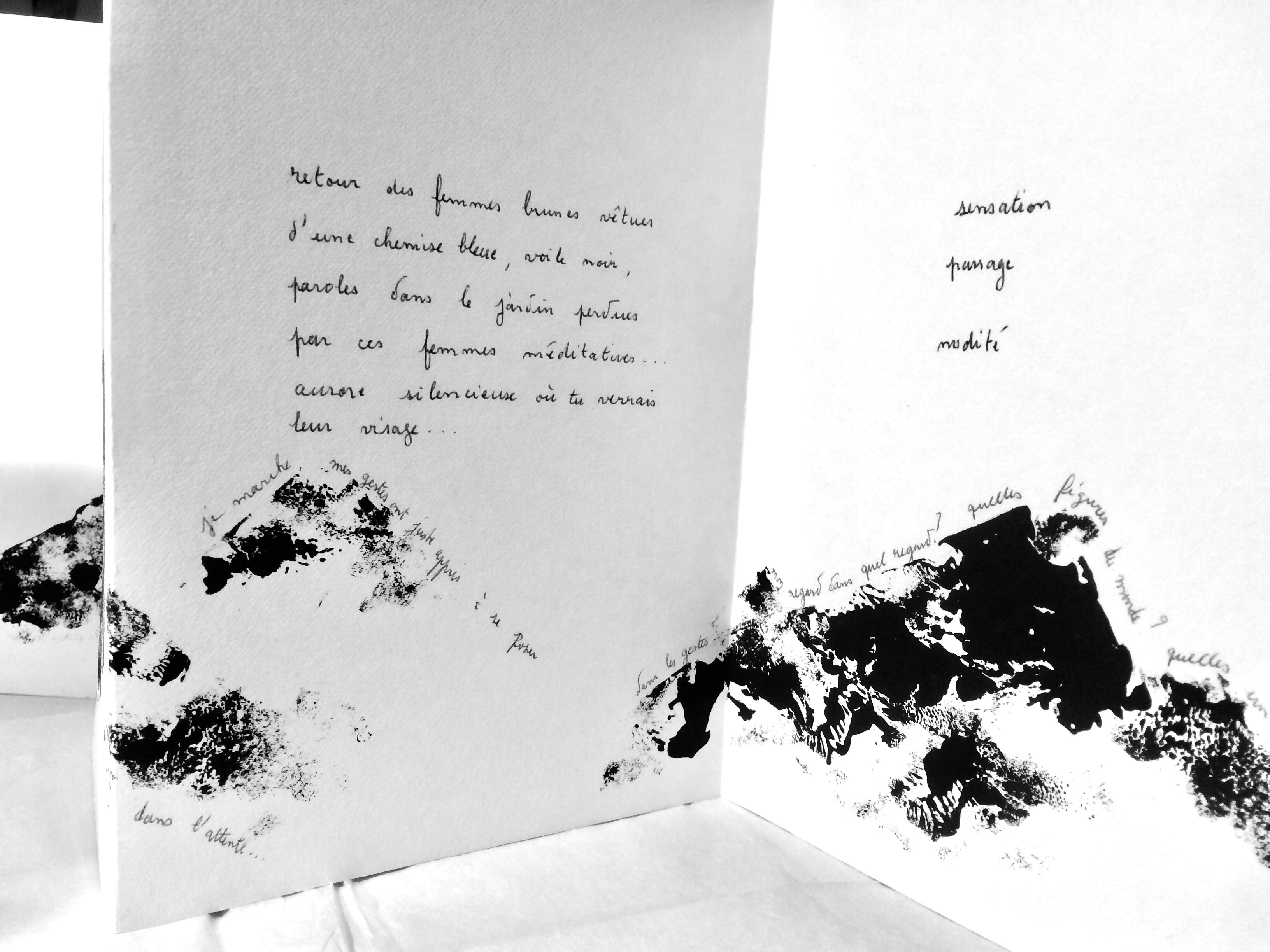 Présentation et discussion autour de ses livres d'artiste par Ursula Caruel dans le cadre de son exposition Bois sacré à la Chapelle Ste Anne à Arles