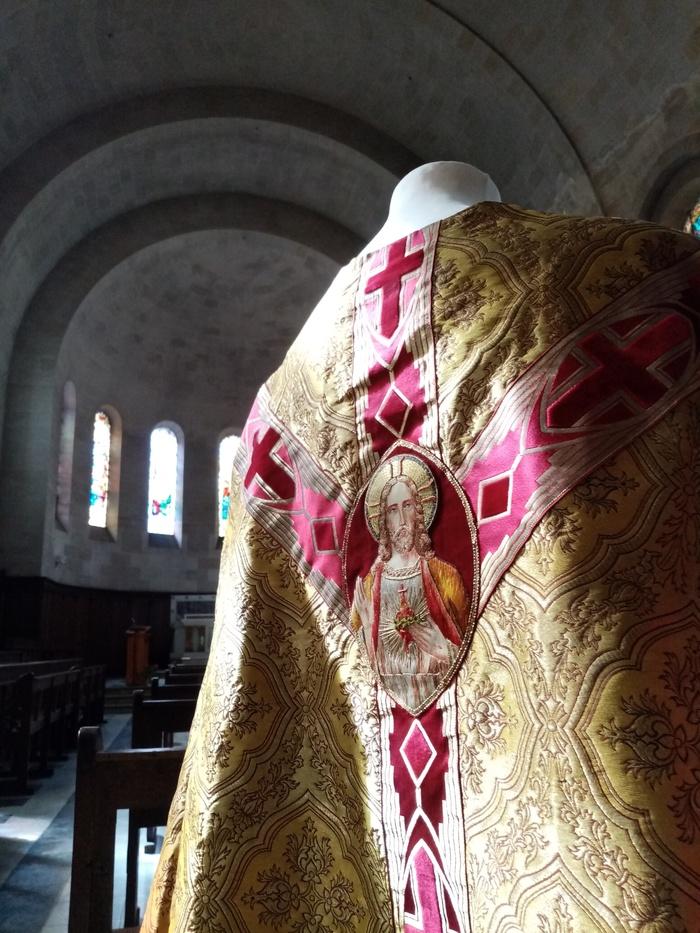 Journées du patrimoine 2020 - L'art sacré sort de sa réserve : de l'aube à la mitre, une exploration du vestiaire liturgique