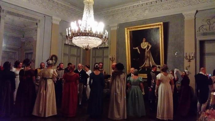 Danse d'époque premier empire à la galerie des Beaux-Arts