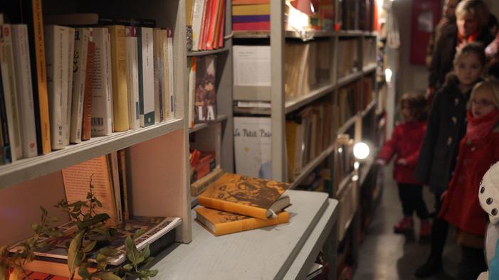 Journées du patrimoine 2019 - Déambulation à la lampe torche : Plus loin : bibliothèque magique et soirée lumineuse...