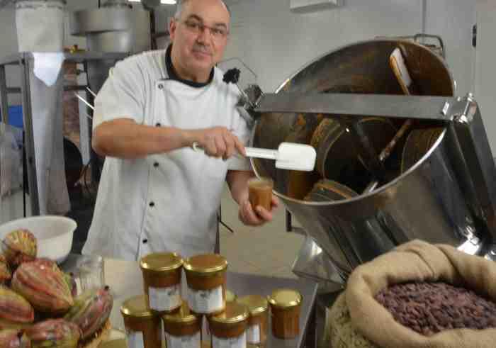Journées du patrimoine 2019 - Visite de l'atelier d'une chocolaterie artisanale à partir de la fève de cacao.