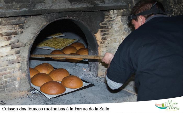 Journées du patrimoine 2019 - Démonstration de chauffe d'un four à bois et dégustation de la fouace de Rabelais