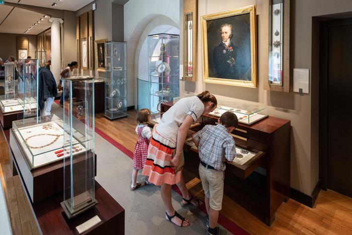Journées du patrimoine 2020 - Mille ans d'histoire à travers les décorations du monde entier