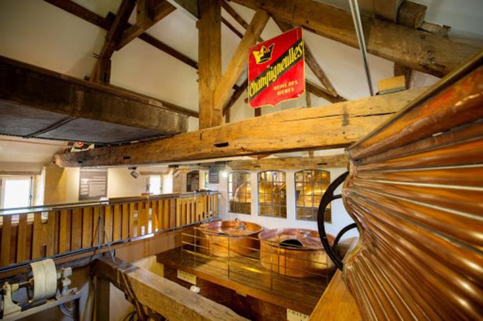 Journées du patrimoine 2020 - Réalisation d'un cône de houblon en verre au Musée de la Bière
