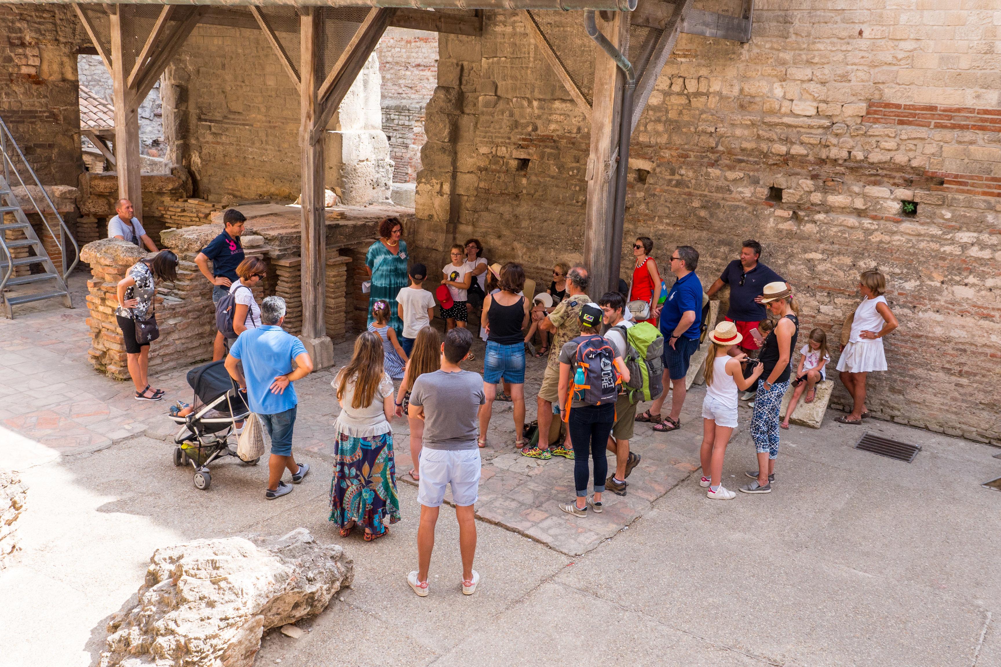 Visites guidées flash - 30 min de visite guidée pour connaître les monuments d'Arles