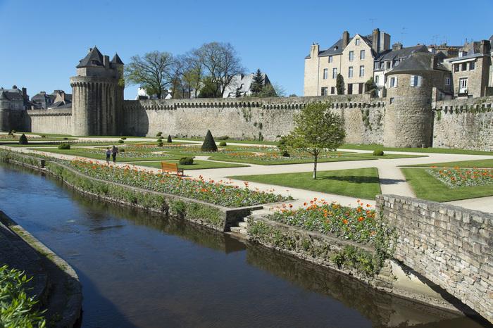 Journées du patrimoine 2020 - Les interdits des fortifications. De portes en tours...