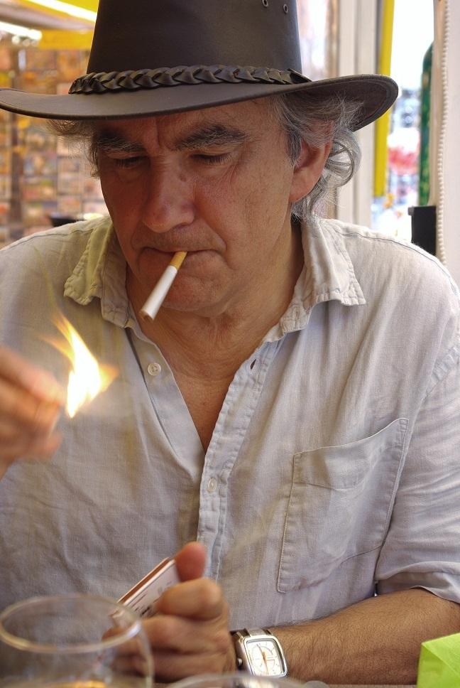 En Roue Libre, chansons de Bob Dylan traduites et interprétées par Renato DR accompagné de sa guitare.