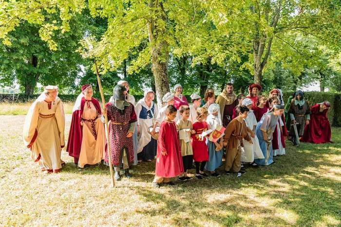 Journées du patrimoine 2019 - Animation : Les Baladins du Comté de Taillebourg. Stand et Jeux traditionnels en bois.