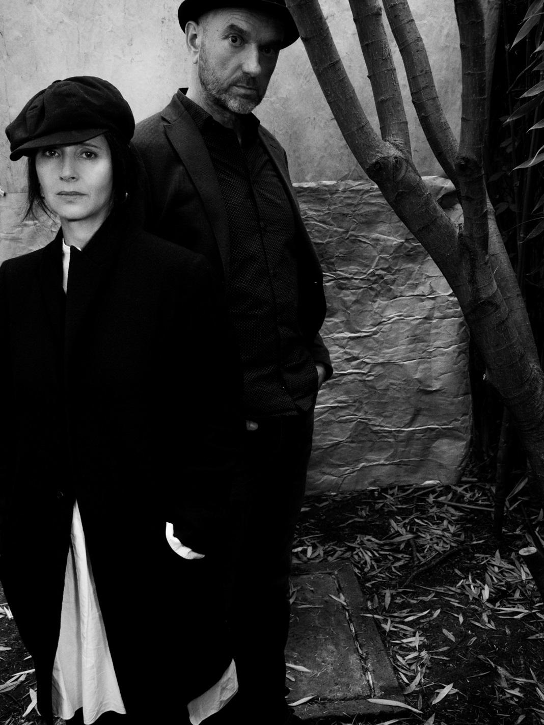 Des personnes internées ont écrit des textes qu'Anouk Grinberg sublime dans un duo aussi dépouillé qu'intense avec le musicien Nicolas Répac.