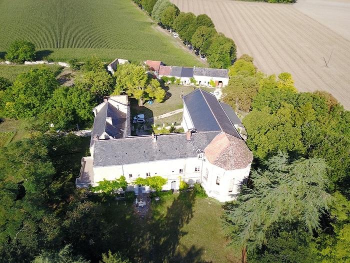 Journées du patrimoine 2019 - Visite commentée du Prieuré Grandmontain de Breuil-Bellay  Promenade historique, architecturale et littéraire dans le prieuré.