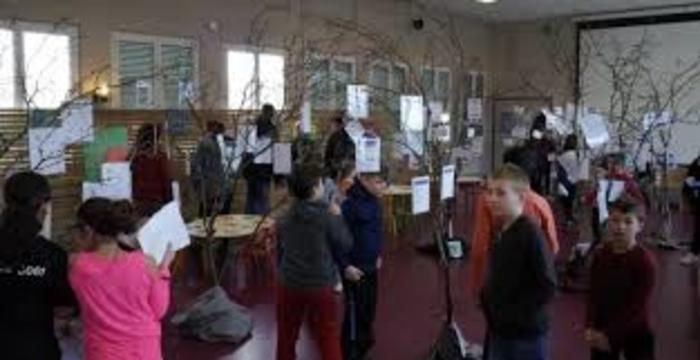 Exposition des productions écrites des enfants dans le cadre du CLSH des Francas de Pézole