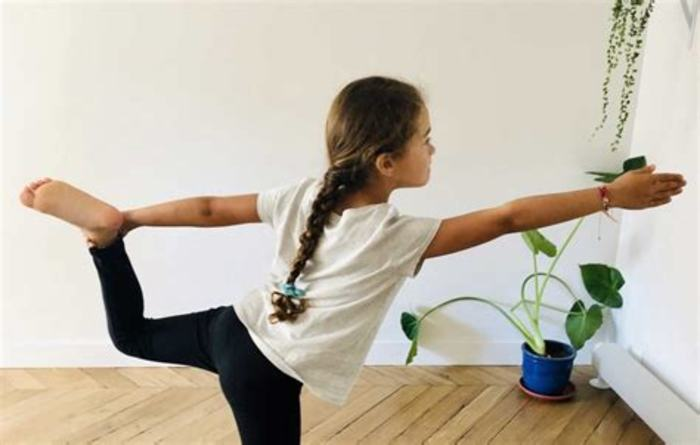 Explorons ensemble le yoga à travers les postures, la respiration, la relaxation et la méditation