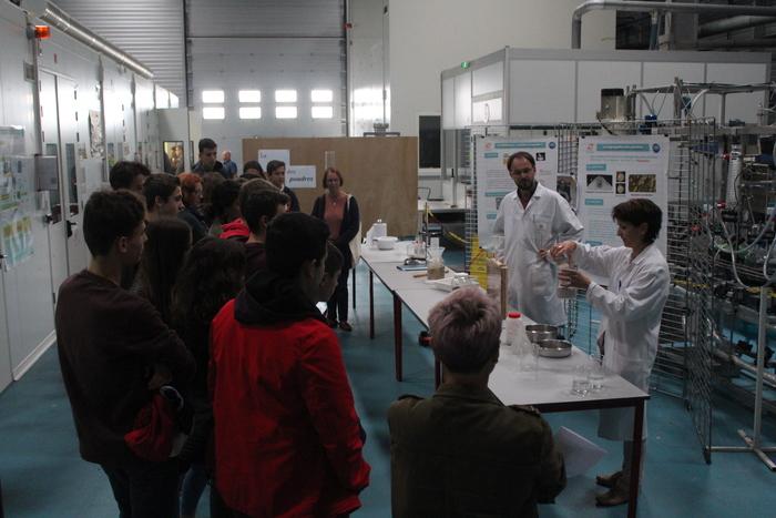 IMT Mines Albi ouvre les portes de ses laboratoires de recherche et d'innovation et organise des circuits de visites animés pour les scolaires.