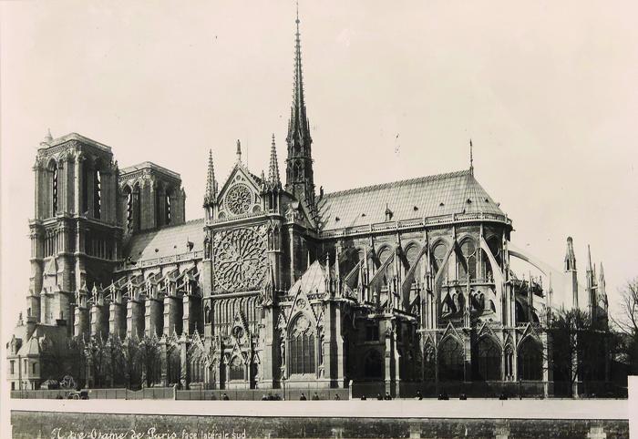 Comprendre Notre-Dame de Paris. De la cathédrale au monument